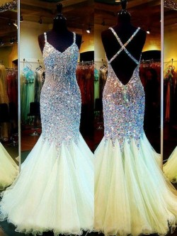 Shop Exclusive V-neck Backless Tulle Crystal Detailing Trumpet/Mermaid Ball Dresses in New Zealand