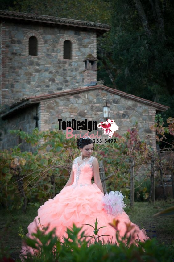 2017 New Beaded Sweet 15 Ball Gown Peach Satin Organza Prom Dress Gown Vestidos De 15 Anos with  ...