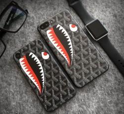 iPhone8plusカバー パロディー風 iphone X ケース 黒 GOYARD アイフォーンテンカバー 個性 開け口デザ ...