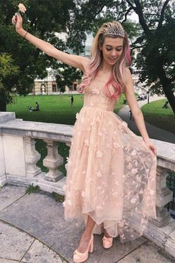 Long Spaghetti Straps Tulle Prom Dress with Flowers, V Back Homecoming Dress – Simibridaldress