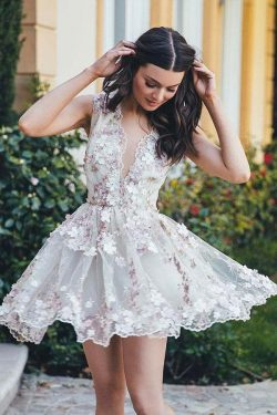 A-Line Floral V-Neck Short White Tulle Homecoming Dress with Appliques – Okdresses