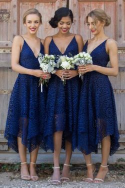 Correas de espagueti azul marino oscuro vestidos de dama de honor de encaje corto US$ 139.99 VTO ...