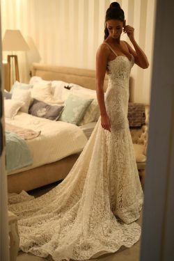 2019 de lujo de encaje vestidos de novia sirena correas tren de la corte US$ 349.99 VTOPKE6N4B4  ...