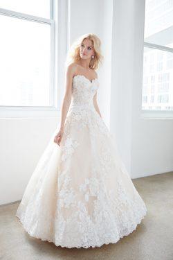 2018 nuevo amor de la llegada una línea vestidos de boda Tulle con Applique US$ 289.99 VEPQK4LE3 ...