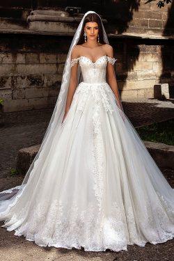 2018 Off La boda del hombro los vestidos de una línea de tul con aplicaciones de tejido y los gr ...