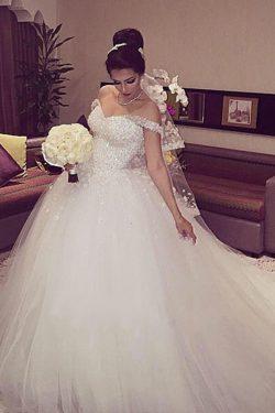 2019 Tulle fuera del hombro vestido de bola vestidos de novia con cuentas y flores hechas a mano ...