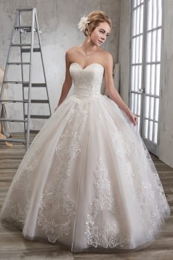 2018 Tulle Sweetheart vestido de novia vestidos de novia con Applique Corte tren US$ 289.99 VTOP ...
