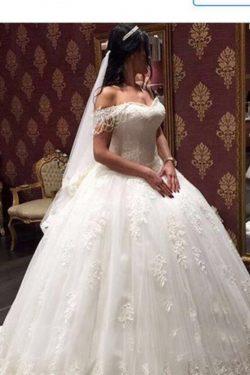 2018 vestidos de boda calientes del hombro del vestido de bola de tul con apliques US$ 396.99 VT ...
