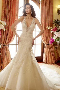2019 vestidos de boda del cuello en V de organza con apliques Y Granos de la sirena US$ 319.99 V ...