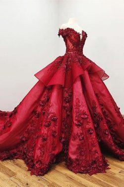Vestidos de fiesta de princesa con abalorios de encaje color burdeos con apliques US$ 499.99 VTO ...