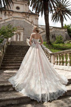 2018 vestidos de novia de una línea vestido de tul con apliques y faja US$ 339.99 VTOP1NG5DAK &# ...
