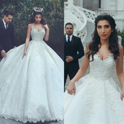 Appliques Ball-Gown Lace Sleeveless Latest V-neck Wedding Dress