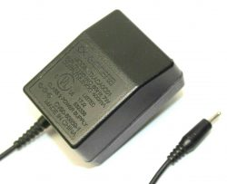 New Kyocera TXACA0C01 5.2V 400mA AC Adapter Cell Phone Power Supply Travel Charger