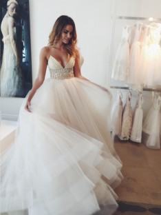 Robe de bal Bretelles spaghetti Sans Manches Cristal Traîne Tribunal Tulle Robes de Mariée