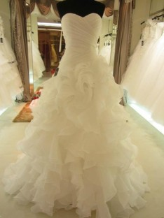 Robe de bal Col en coeur Organza Sans Manches Traîne Tribunal Robes de Mariée