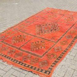 Vind Een Enorme Collectie Aan Marokkaanse Kleden
