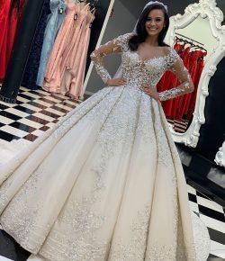 Luxus Hochzeitskleider mit Spitze | Brautkleider mit Ärmel Online
