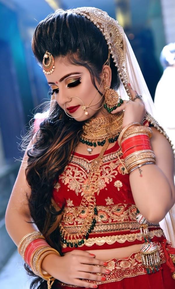 Best Celebrity Makeup Artist In Jaipur | Looks at Elite