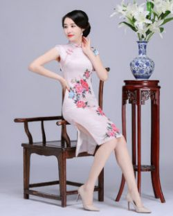 Golden Velvet Fashion Flower Long Cheongsam Skirt