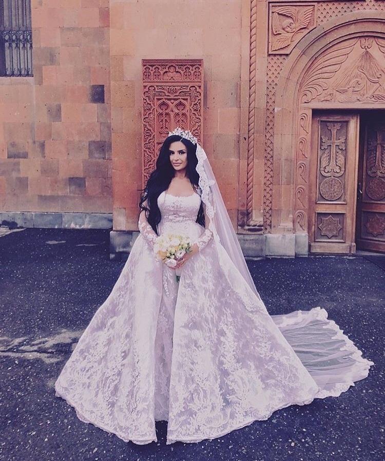 Elegante Brautkleider A Linie Mit Ärmel | Hochzeitskleider Mit Spitze Online