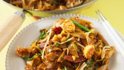 (Penang) Char Kuey Teow · Southeast Asian Recipes · Nyonya Cooking
