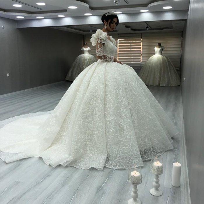 Elegante Brautkleider Luxus   Spitze Hochzeitskleider mit Ärmel