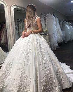 Elegante Brautmoden Prinzessin | Hochzeitskleider mit Spitze Günstig