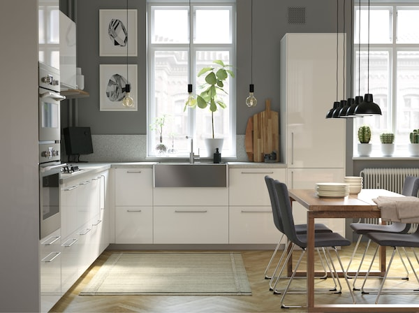 A modern, and airy kitchen with wooden details – IKEA