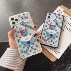人気 supreme LV コラボアイフォン11/11Pro透明カバー クマ