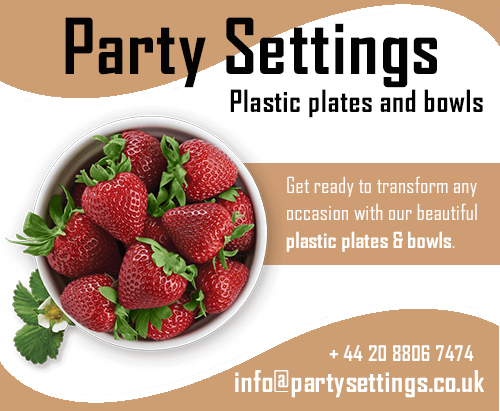 Party Settings plastic plates and bowls