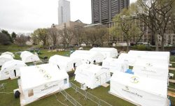 Field Hospital Staffers Provide Around-the-Clock Care in New York's Central Park | SamaritanR ...