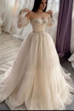 Schlichte Brautkleider A linie | Hochzeitskleider mit Ärmel