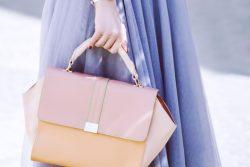 気品のあるハンドバッグは大切な日のおでかけや華やかなシーンにおすすめ