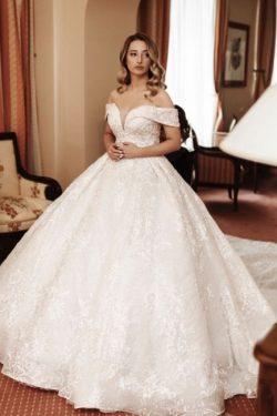 Hochzeitskleider Spitze und Schlicht | Standesamtliche Brautkleider