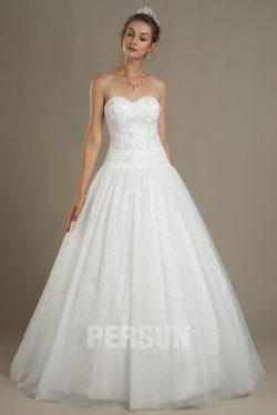 Robe de mariage princesse bustier coeur embelli de perles