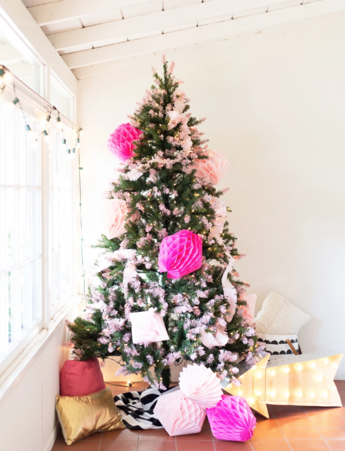 How to Decorate Your Christmas Tree – Modern Glam