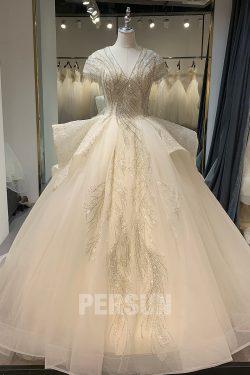 Robe de mariage princesse scintillant encolure V ornée de strass à manches
