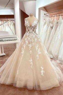 Schlichtes Hochzeitskleid Spitze | Brautkleid V Ausschnitt A Linie