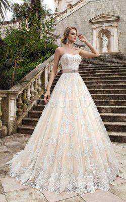 Robe de mariée longue naturel en dentelle de col en cœur avec perle – GoodRobe