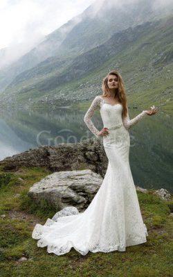 Robe de mariée vintage col en v foncé avec ruban en dentelle col en forme de cœur – GoodRobe
