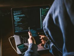 How To Identify Your Phone Has Been Hacked And Its Prevention?