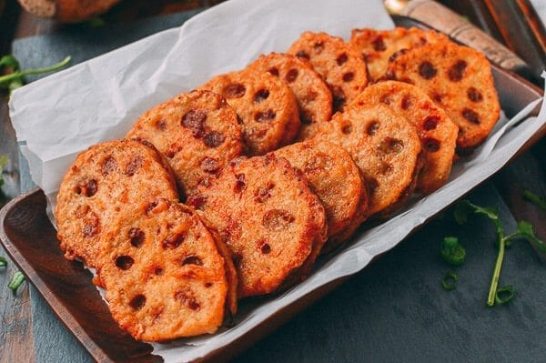 Crispy Stuffed Lotus Root with Pork (炸藕盒)