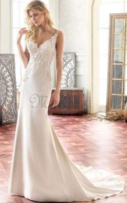 Klassisches Chiffon Plissiertes Luxus Brautkleid mit V-Ausschnitt – MeKleid.de