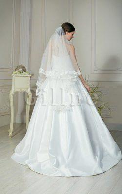 Se stai cercando un vestito modesto con maniche lunghe