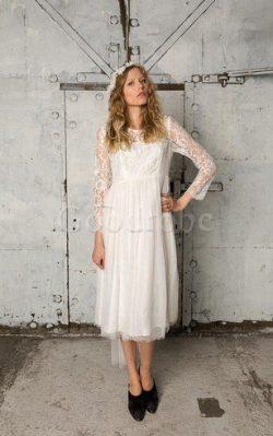 Robe de mariée facile plissage ligne a de col bateau avec manche longue – GoodRobe