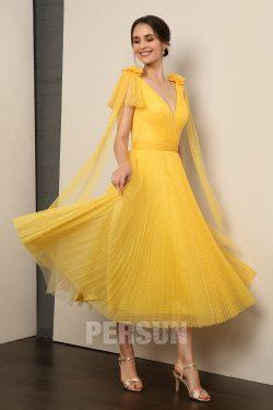 Robe de soirée midi jaune plumetis encolure v à manches