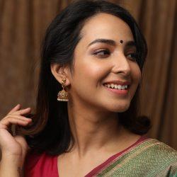 Get The best earrings price in India | Tarinika