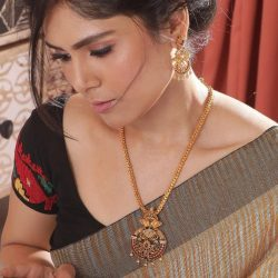 Buy Famous Antique earrings jewellery Online | Tarinika
