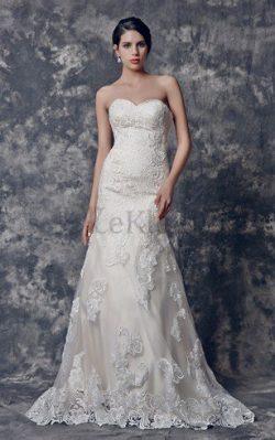 A-Line Herz-Ausschnitt Sweep Train Extravagantes Brautkleid mit Natürlicher Taille – MeKle ...