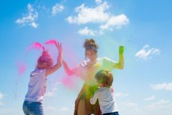 Organize fun activity with Color Run Powder